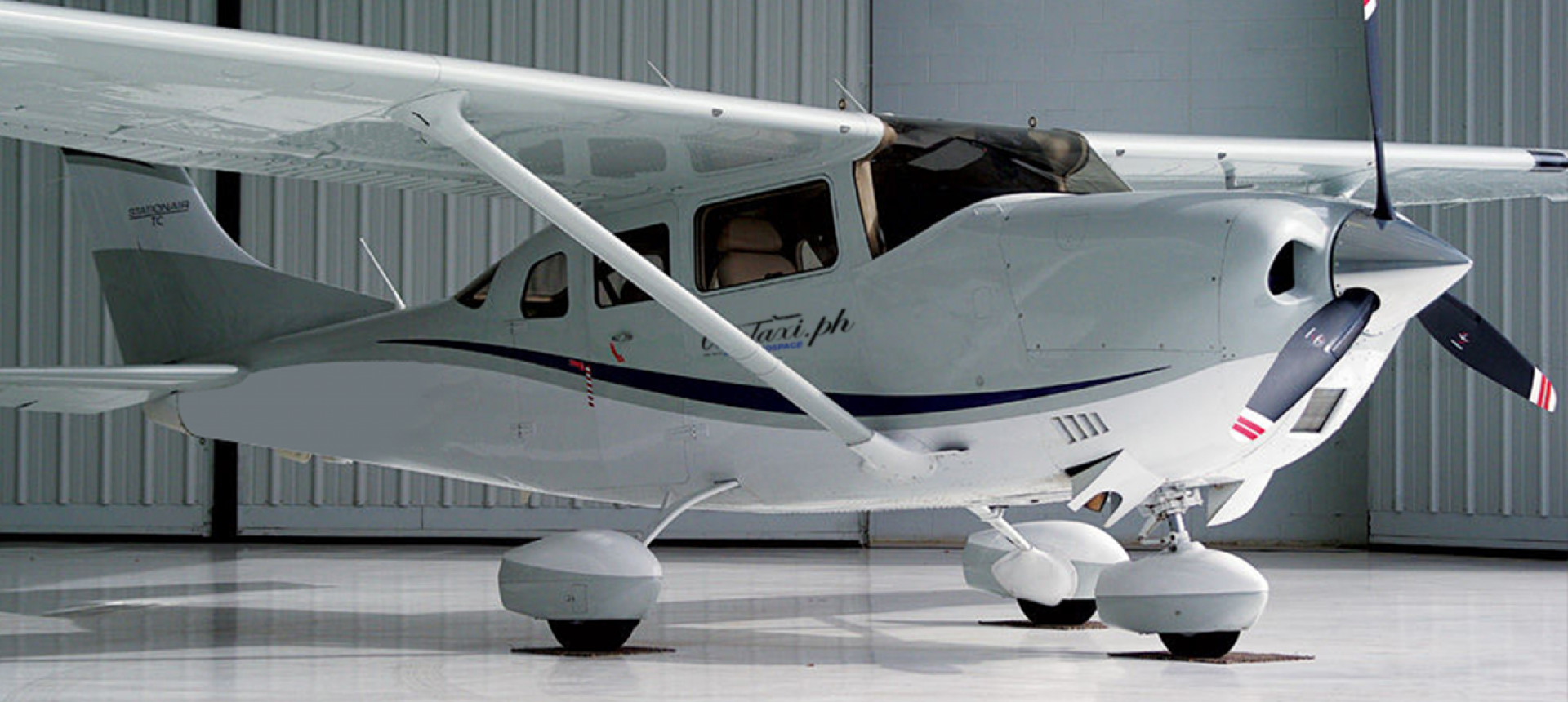 Cessna Turbo CT206H Flight Deck