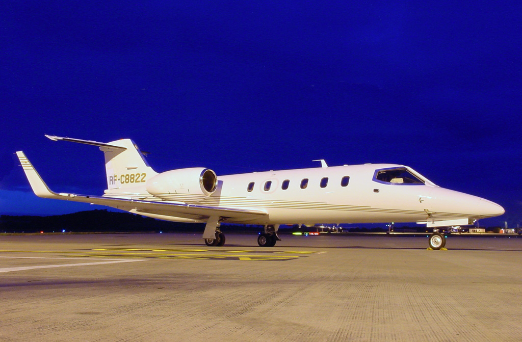 Learjet Main
