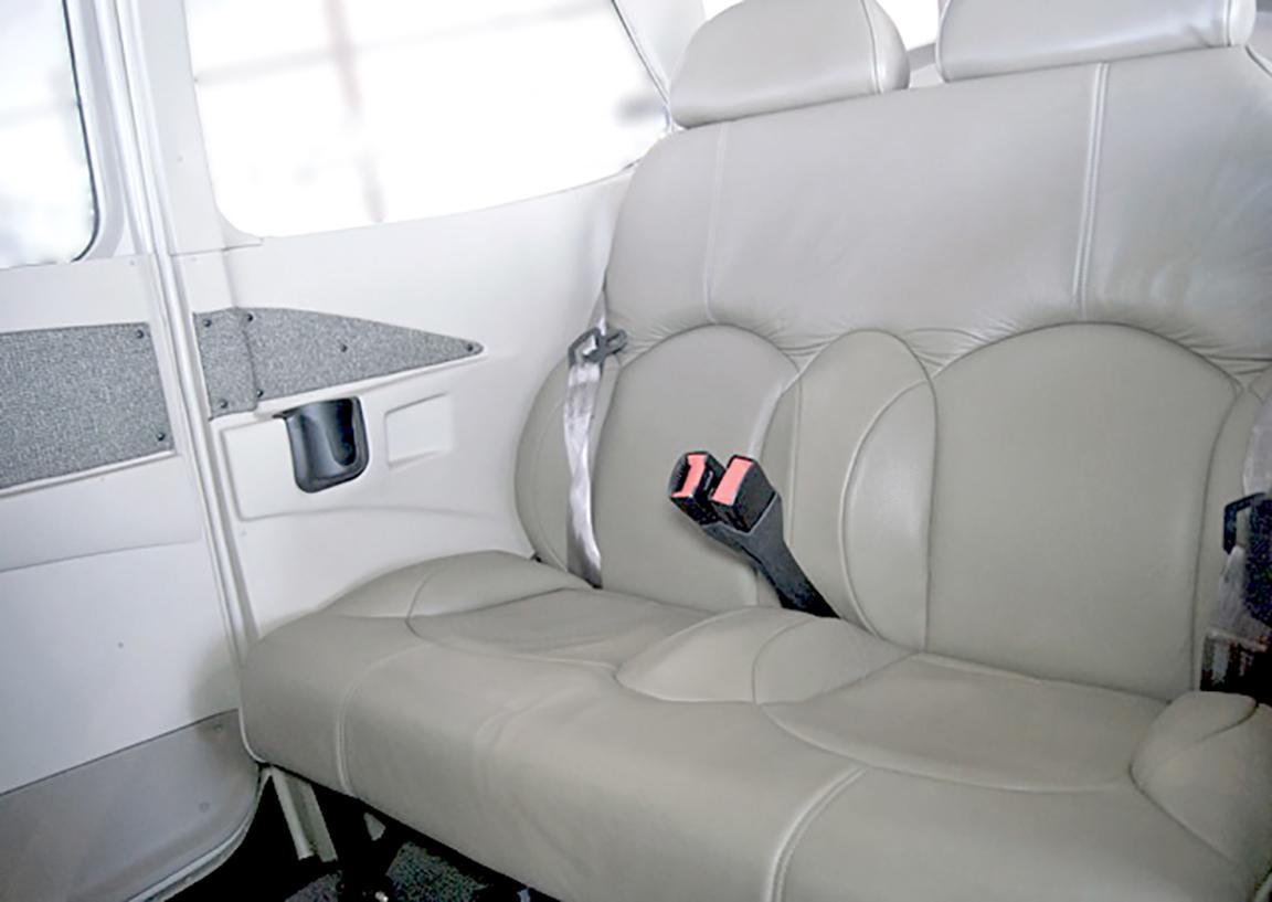 Cessna 172SP Cabin